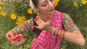 """Kirtaniyas """"Devi Dasi"""""""
